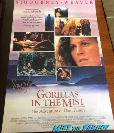 Sigourney Weaver signed autograph Gorillas In the Mist poster