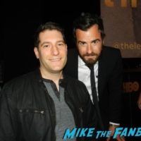 Justin Theroux with fans nice signing autographs rare