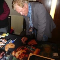 Tom Berenger Meeting Fans Hollywood Show signing autographs 2018 1