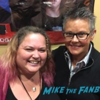 amanda bearse with fans Married with children cast reunion 0002