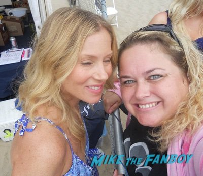 christina applegate with fans Married with children cast reunion 0006