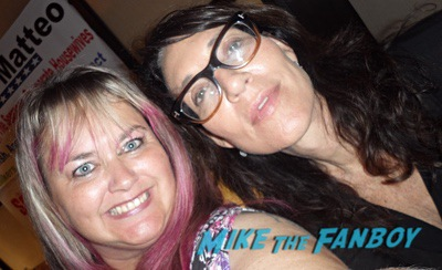 Katey Sagal with fans Married with children cast reunion 0006