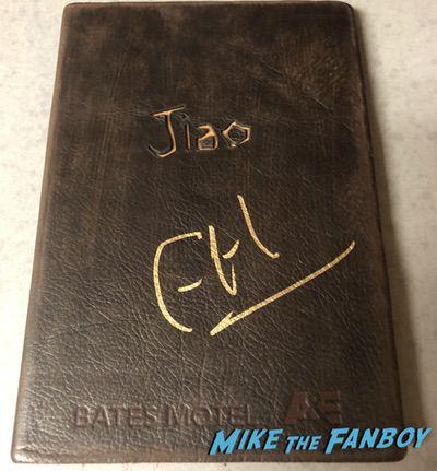 Freddie Highmore signed autograph Jiao promo book psa bates motel