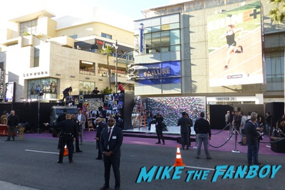Ready Player One premiere los angeles signing autographsReady Player One premiere los angeles signing autographs