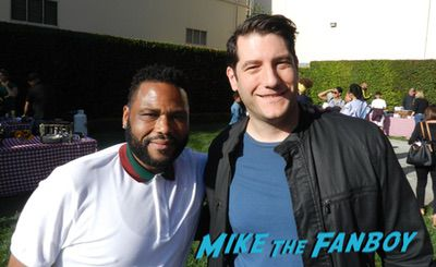 Anthony Anderson with fans