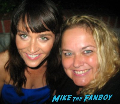 Robin Tunney with fans signing autographs