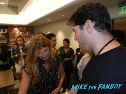 Connie Britton With FAns SMILF FYC ABC Day Panel Frankie Shaw with fans 0013