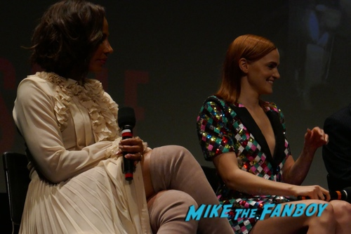 The Handmaid's Tale FYC 2018 q and a Elisabeth Moss with fans 0011