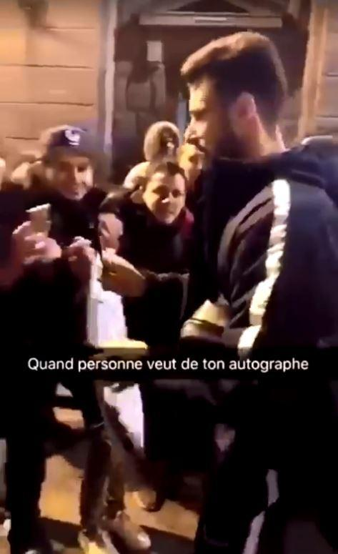 Olivier-Giroud's-Autographs-1
