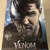 Venom Comic Con Autograph Signing Tom Hardy with fans 0002