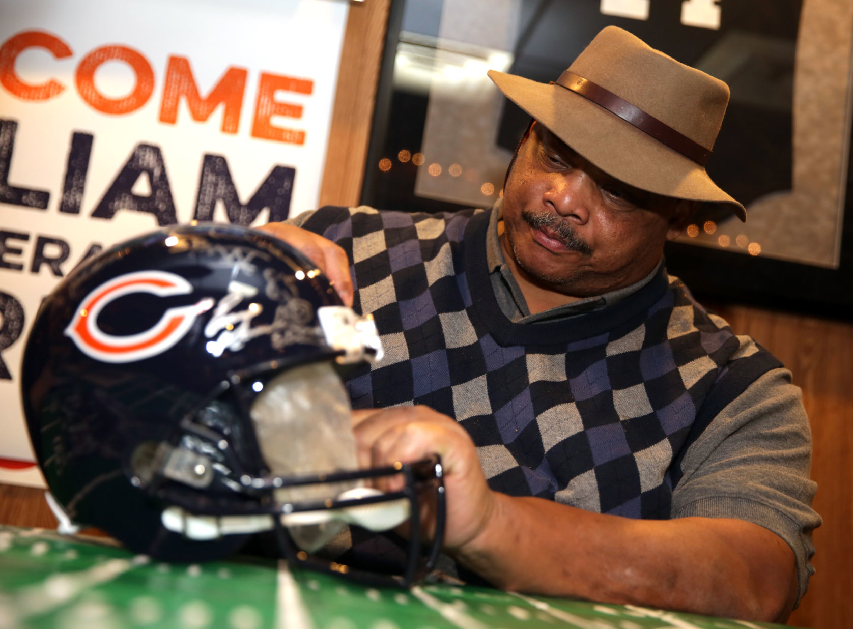 https://www.nwitimes.com/william-the-refrigerator-perry-to-sign-autographs-at-bridge-s/article_b678c95f-ca74-530a-805f-299e5b195f6d.html