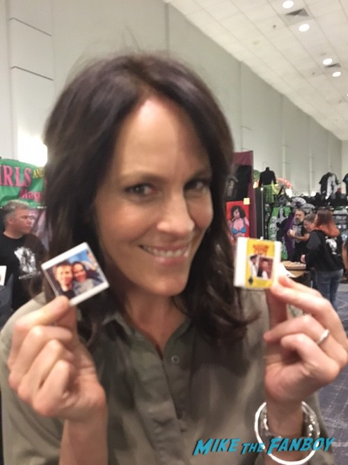 Annabeth Gish with fans signing autographs rare 0002