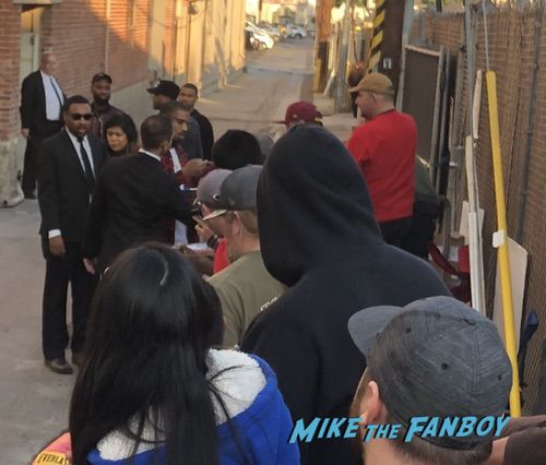 Michael B Jordan signing autographs jimmy kimmel live with fans 0008