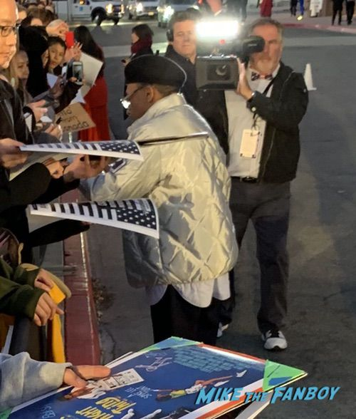 spike lee with fans Palm Spring Film Festival 2018 signing autographs bradley cooper 0018