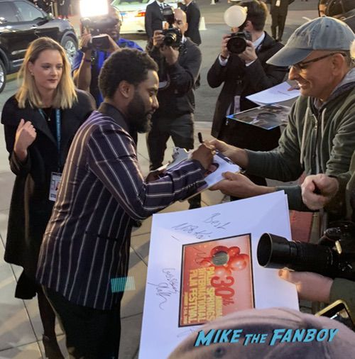 John David Washington with fans Palm Spring Film Festival 2018 signing autographs bradley cooper 0018
