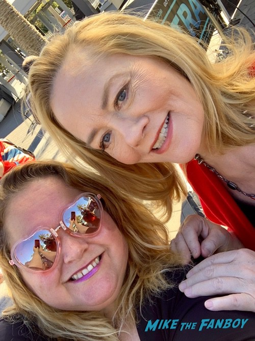 Cybill Shepherd with fans signing autographs rare 0000