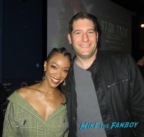 Sonequa Martin-Green with fans Star Trek Discovery FYC Season 2 Panel Sonequa Martin Green With Fans autograph 0000