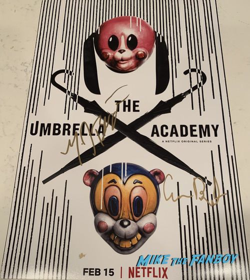 The Umbrella Academy signed autograph poster mary j blidge signature