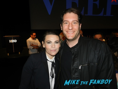 Clea Duvall with fans Veep 2019 fyc event julia louis dreyfuss with fans 0007