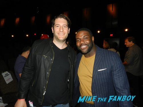 Sam Richardson with fans Veep 2019 fyc event julia louis dreyfuss with fans 0019
