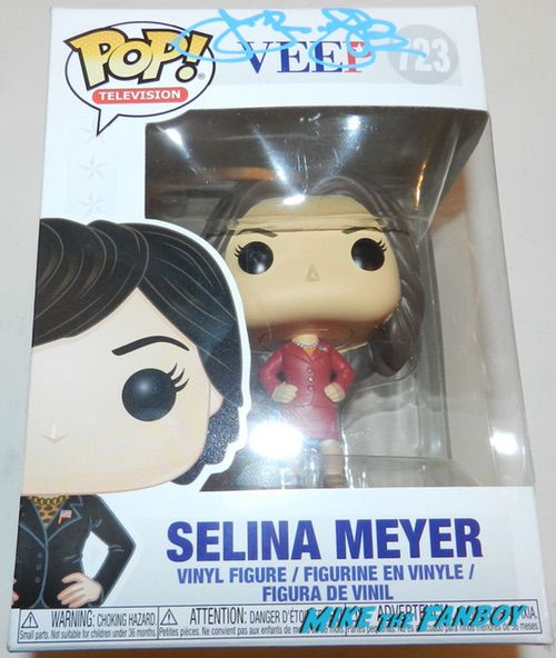 Julia Louis-Dreyfus SIGNED AUTOGRAPH veep funko pop
