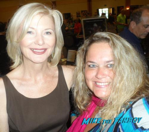 Beth Broderick with fans signing autographs 0002