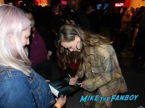 Victoria Pedretti with fans The Haunting of Hill House FYC q and a 0014