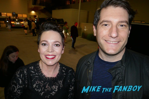 Olivia Coleman with fans signing autographs 0001