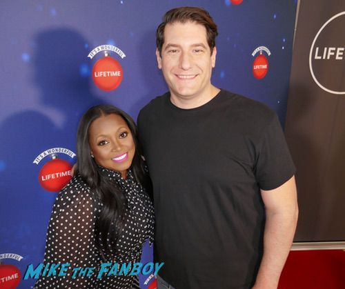 Keshia Knight Pulliam  with fans It's a Wonderful Lifetime Holiday Event recap 0017
