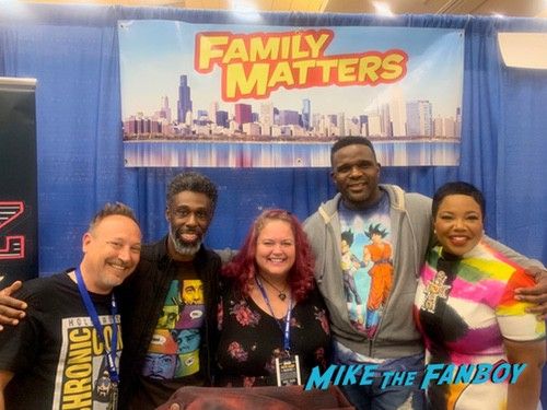 Family Matters Cast with fans rhode island comic con 0000