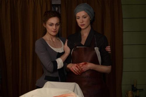 Caitriona Balfe as Claire Fraser and Sophie Skelton as Brianna Fraser MacKenzie