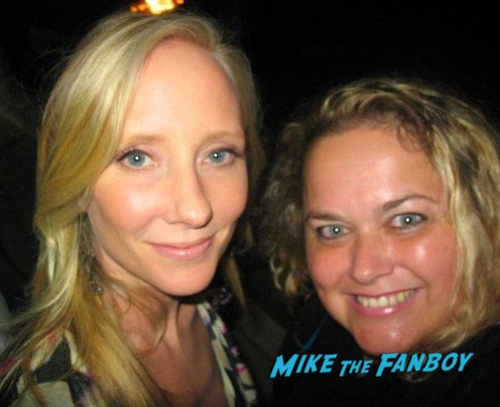 Anne Heche with fans I know what you did last summer cast Fan photo 0002