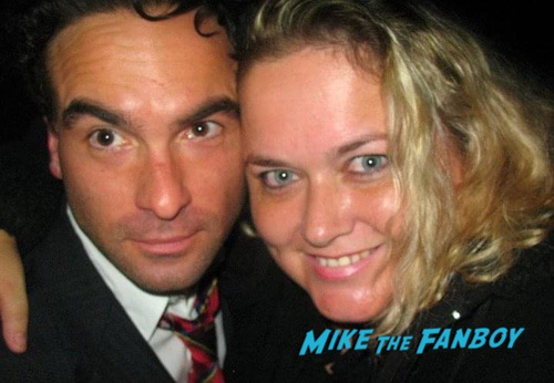 Johnny Galecki with fans I know what you did last summer cast Fan photo 0002