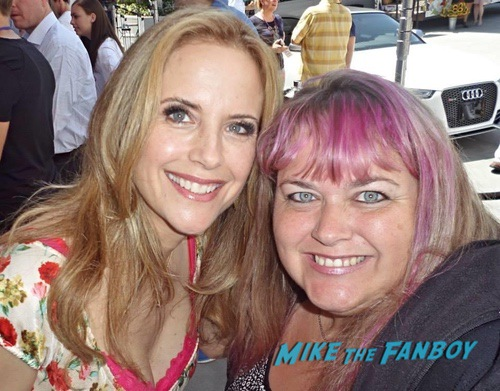 Kelly preston with fans signing autographs 0000